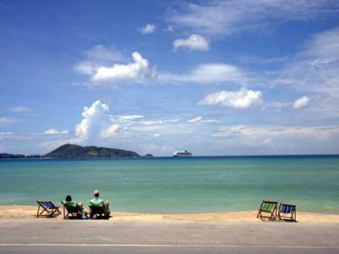 If the tourists keep coming beyond March, Phuket will blossom