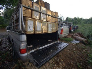 Confiscated pickup truck used to hide 10 Burmese bound for Phuket