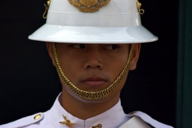 Palace guards not attracting enough visitors to Bangkok