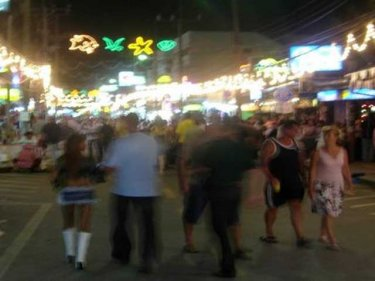 Soi Bangla in Patong by night: a quiet 48 hours expected across Phuket