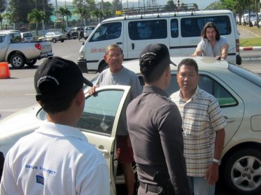 Welcome . . . now walk: a Phuket airport ''black'' taxi raid goes awry