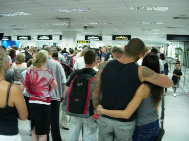 Phuket shows no love in the long queues at the Immigration counter