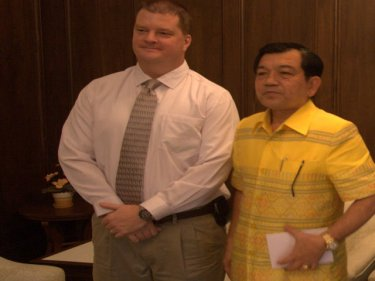 Douglas H. Robinson with Vice Governor Treerayut Eamtakul today