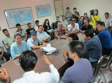 Negotiators meet to work out a deal today: Cruise ship lines appear dissatisfied with Phuket taxi prices