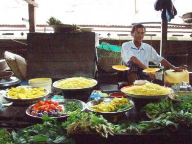 The tastes from a food market in Burma are available on Phuket