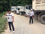 Phuket Raiders Nab Workers, Trucks at Suspect Phuket Site