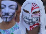 Phuket White Masks Gather in Anti Government Face Off
