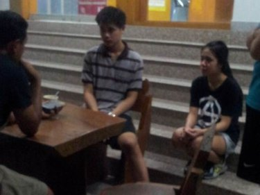 Police interview the couple robbed near Bang Tao beach