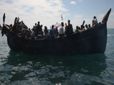 Large numbers of Rohingya mysteriously arrive in Thailand by sea, undetected