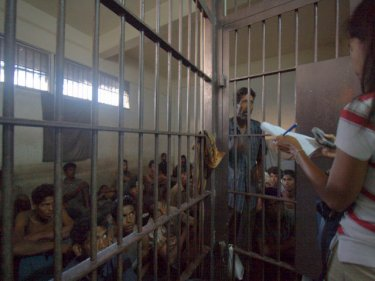 Chutima Sidasathian interviews Rohingya in a police cell, January 2009