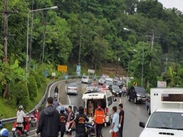 A 17-year-old dies on Patong Hill in the wet this afternoon