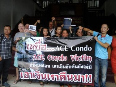 Victims of the Ace Condo scandal gather to meet Phuket's Governor