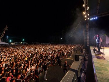 About 5000 fans rocked a Bodyslam concert at Laguna Phuket last night