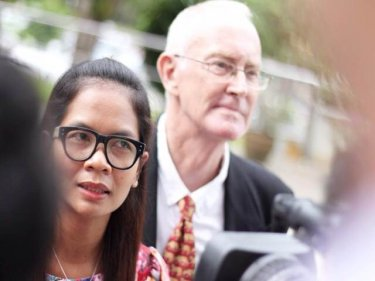 Chutima Sidasathian and Alan Morison at Phuket Provincial Court